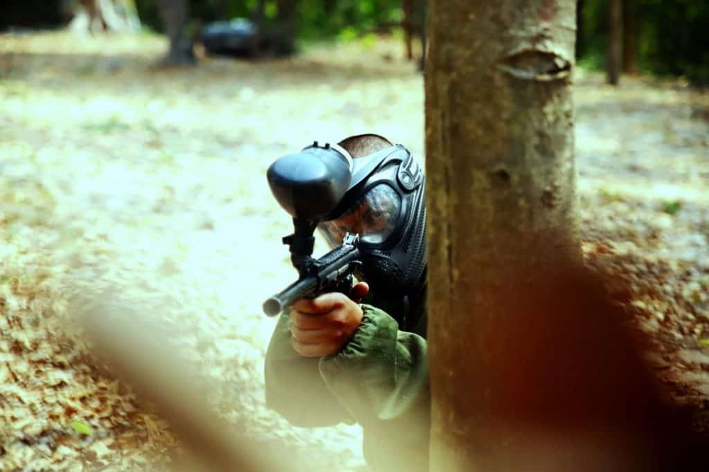 How is paintball played