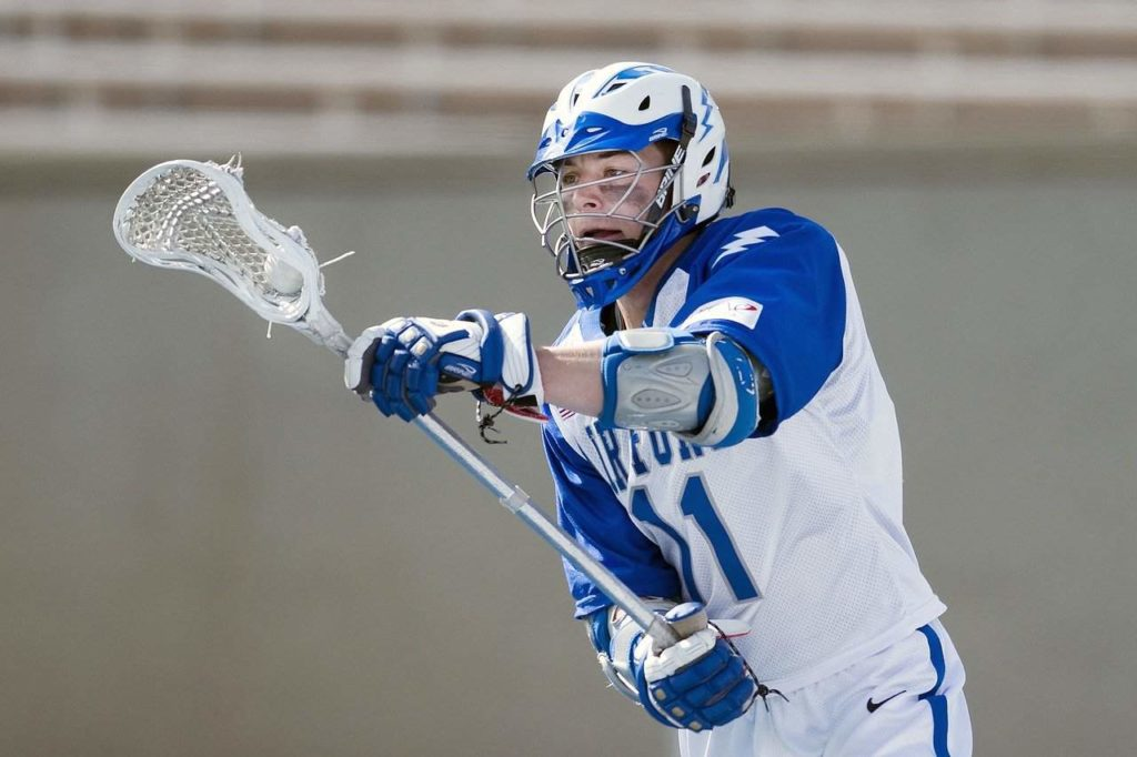 10 Useful Tips On How To Cradle In Lacrosse Like A Pro
