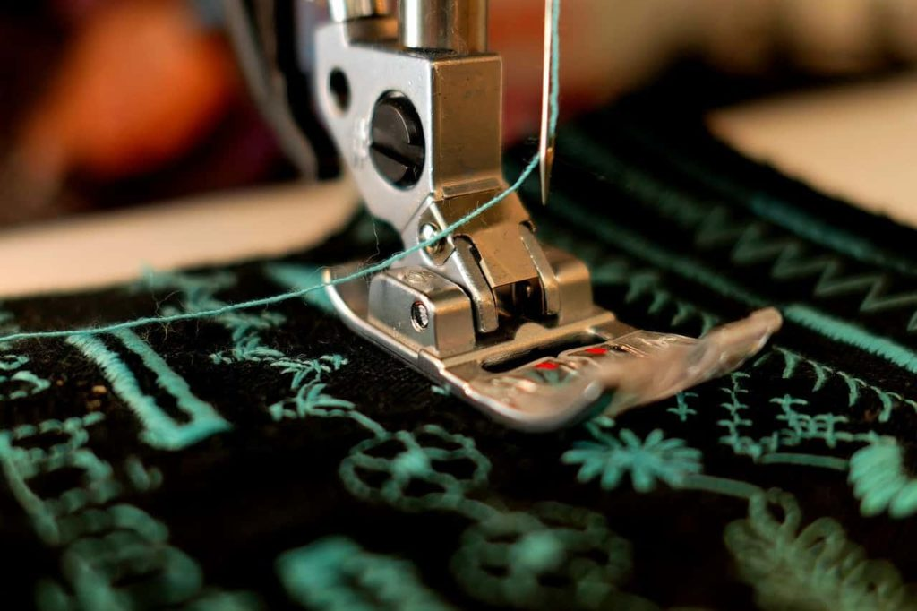 Comprehensive Guide to Types of Sewing Machines