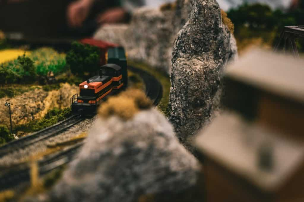How do Model Trains Work and Are They the Right Choice for Me