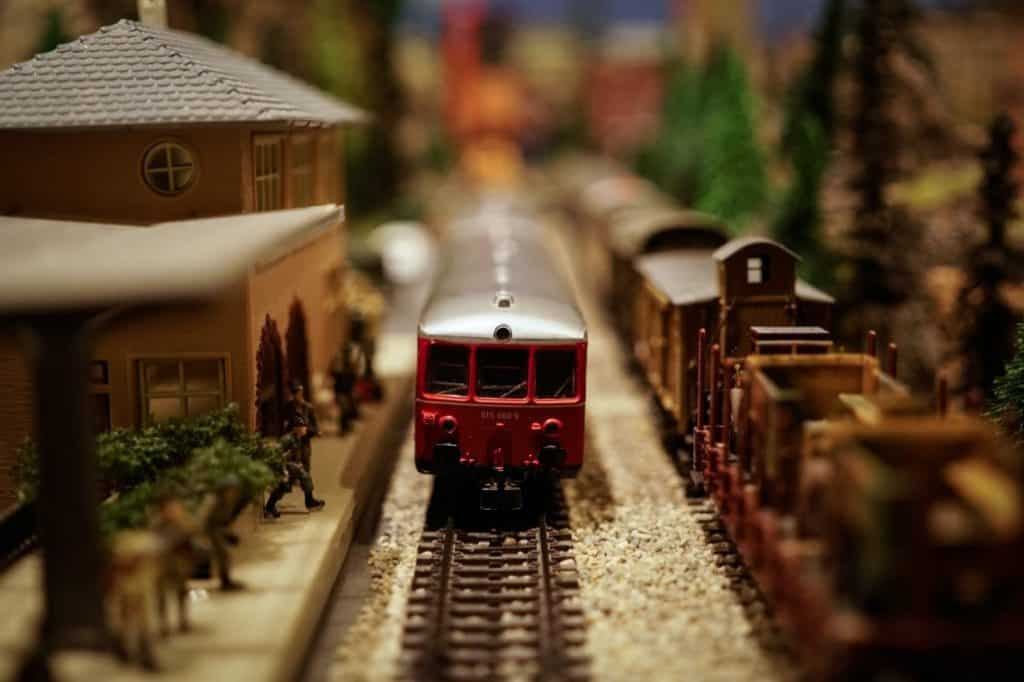 Is There a Glossary in this Ultimate Guide to Model Trains for Beginners