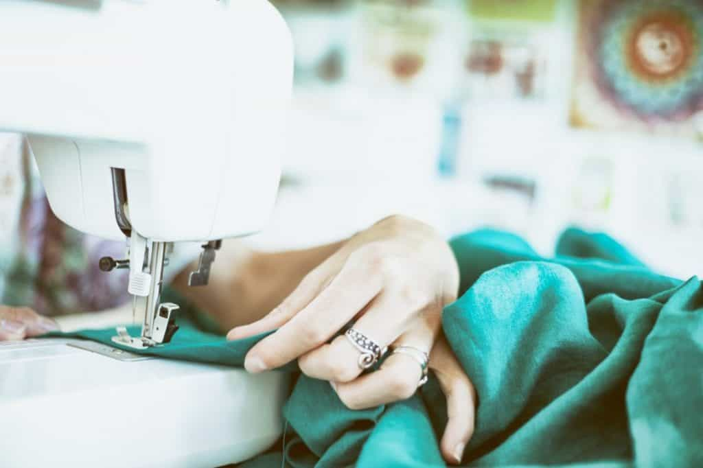 Best Bernina Sewing Machines buying guiode