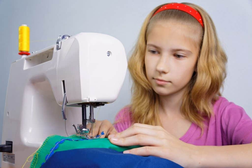 Best Sewing Machine For Teenagers buying guide
