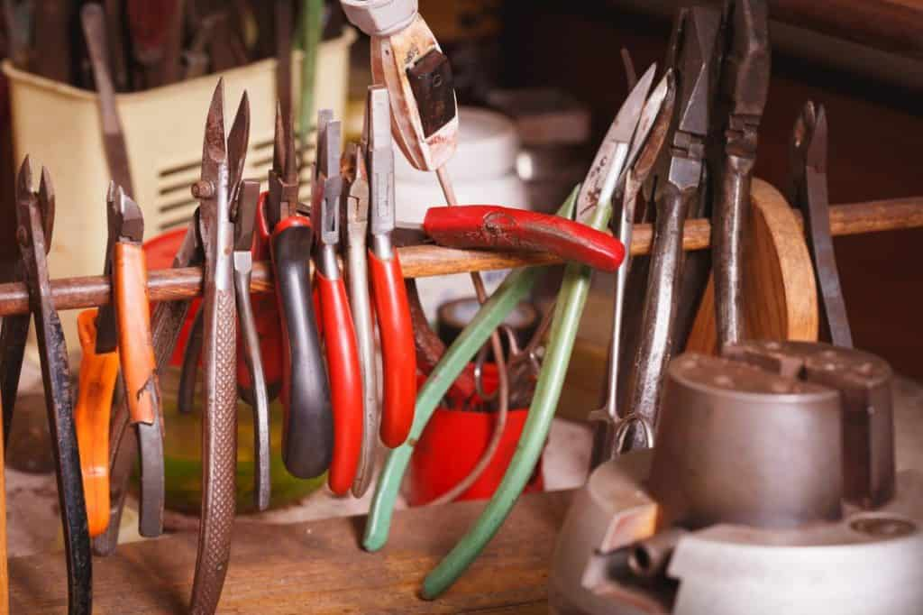 The Range of Tools you Should Have in Your Jewellery Making Kit