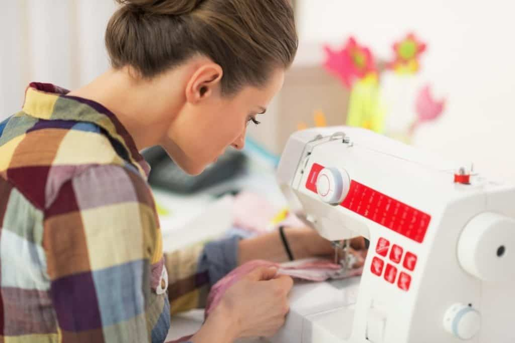 Best Automatic Sewing Machines Buying Guide