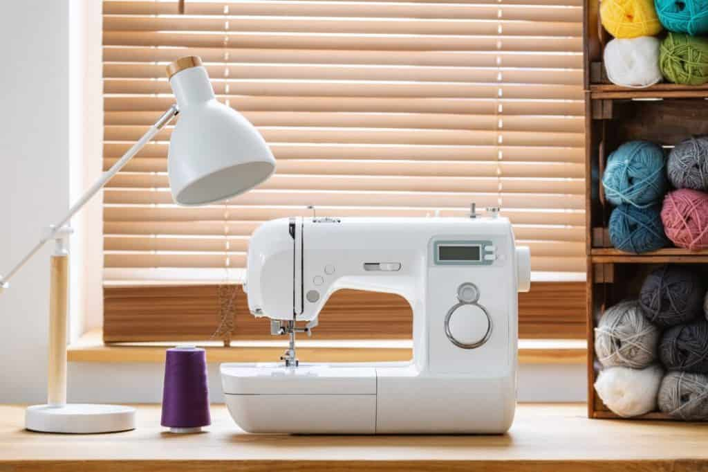 Best Sewing Machine for Seamstress buying guide
