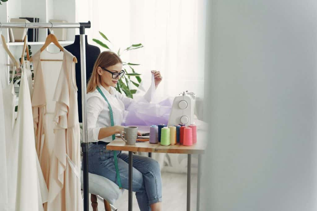 Best Sewing Machines for Making Clothes for the money