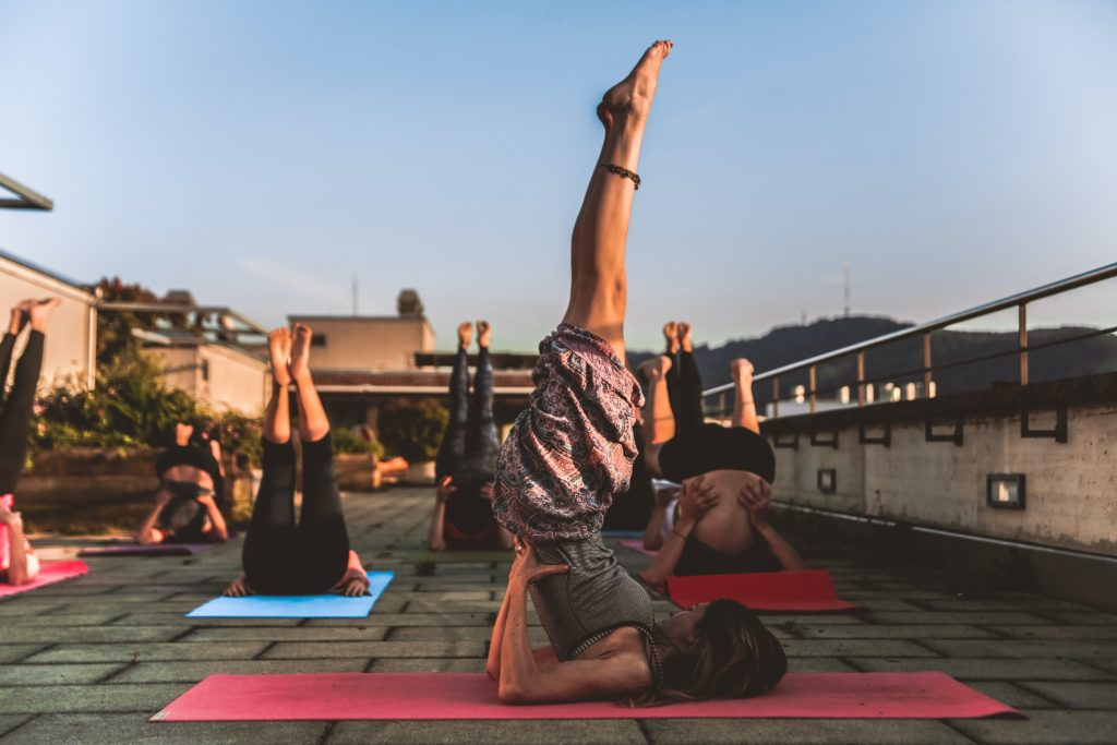 4) Alo Yoga is a proudly Californian-based company.