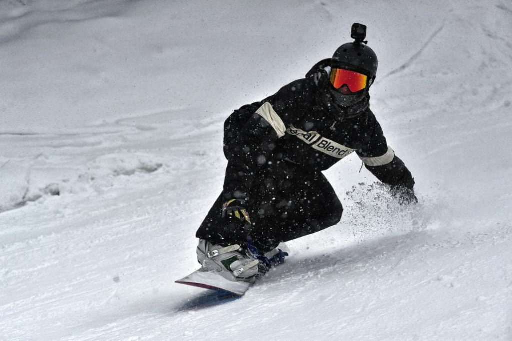 Best Snowboard For Groomers